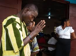 Liberia praying